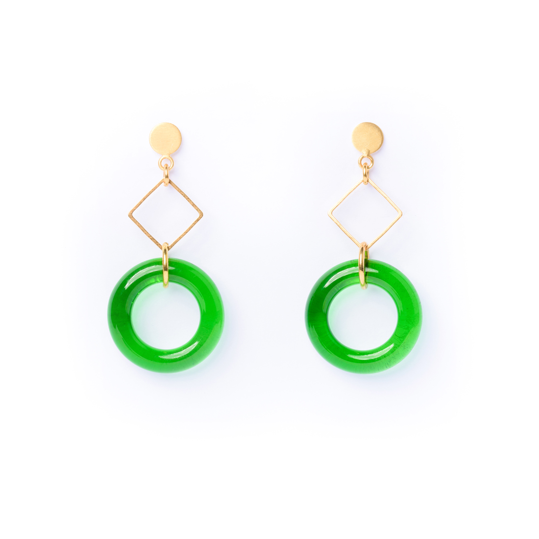 Attractive earrings